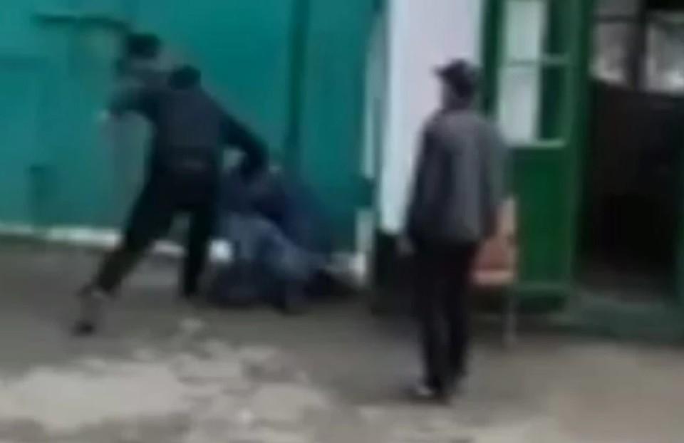 """Такое невозможно себе представить, но в молдавских """"зонах"""" возможно все (Фото: скрин с видео)."""
