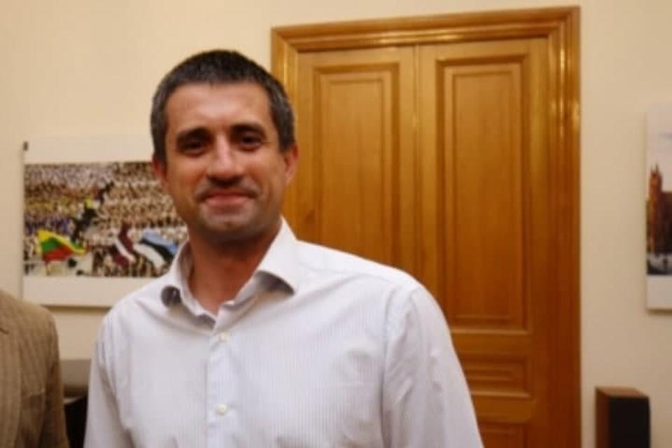 Украинский консул Александр Сосонюк был принят с поличным. Фото: peterburg.mfa.lt