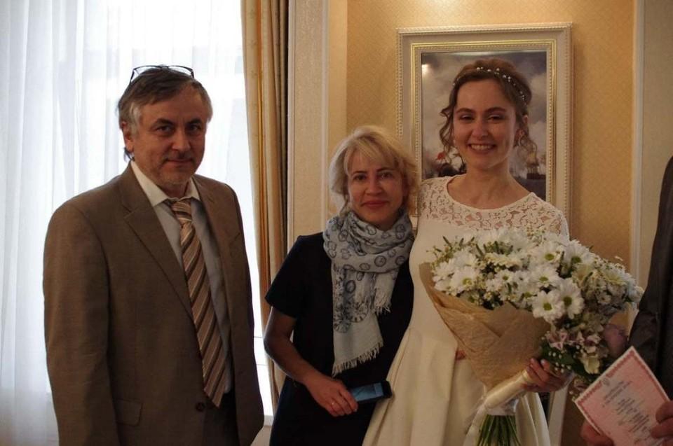 Дочь главного нефролога Петербурга (справа) рассказала о своем отце (слева)