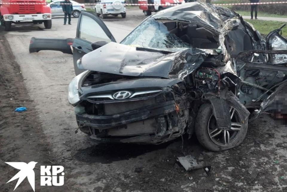 Пять школьников насмерть разбились в аварии.
