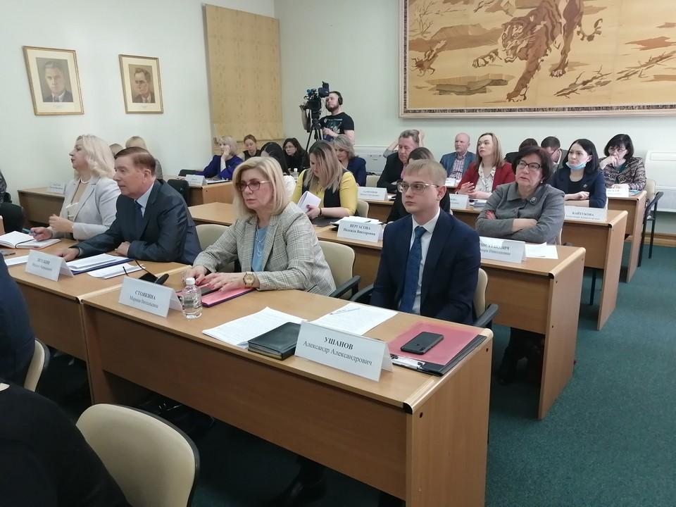 Работники культуры Хабаровского края не спешат прививаться от коронавируса