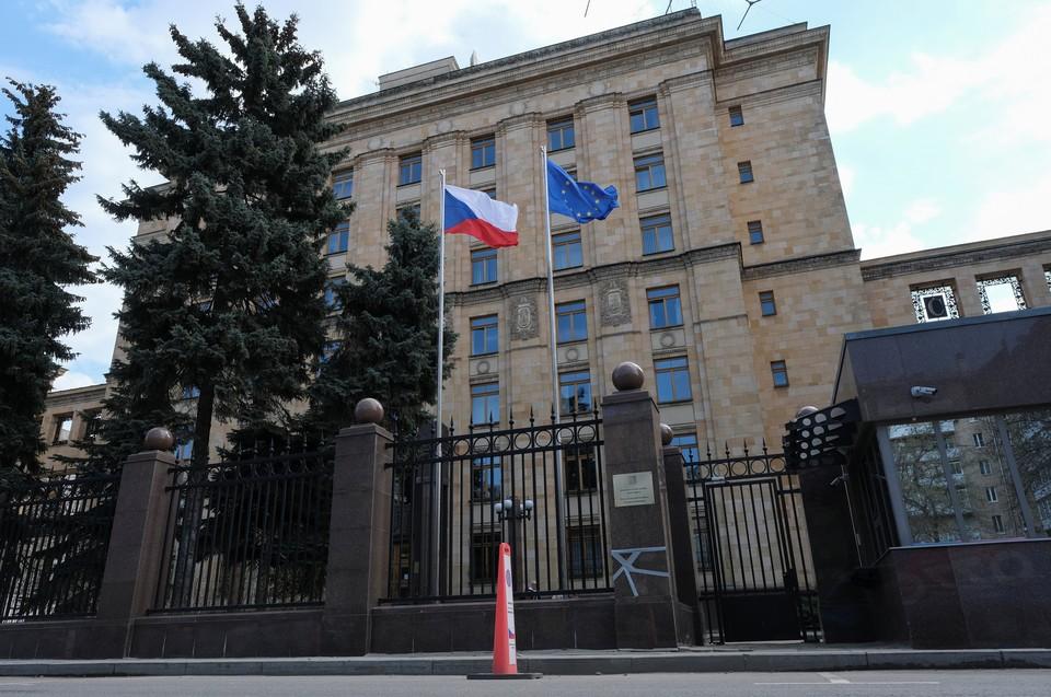 МИД Чехии потребовал вернуть чешских дипломатов в Россию