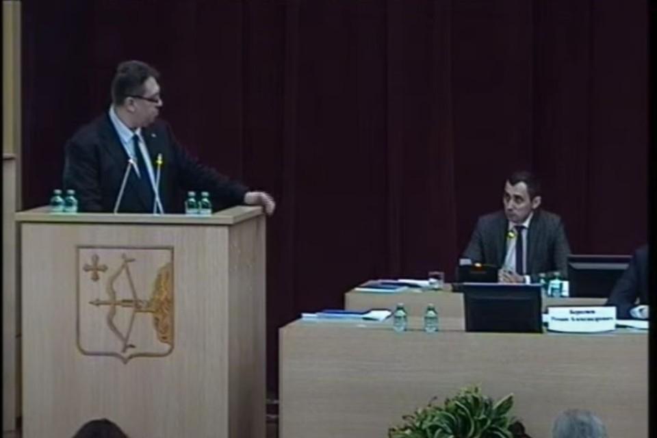 Уполномоченный по правам ребенка Владимир Шабардин выступил с ежегодным докладом. Фото: zsko.ru