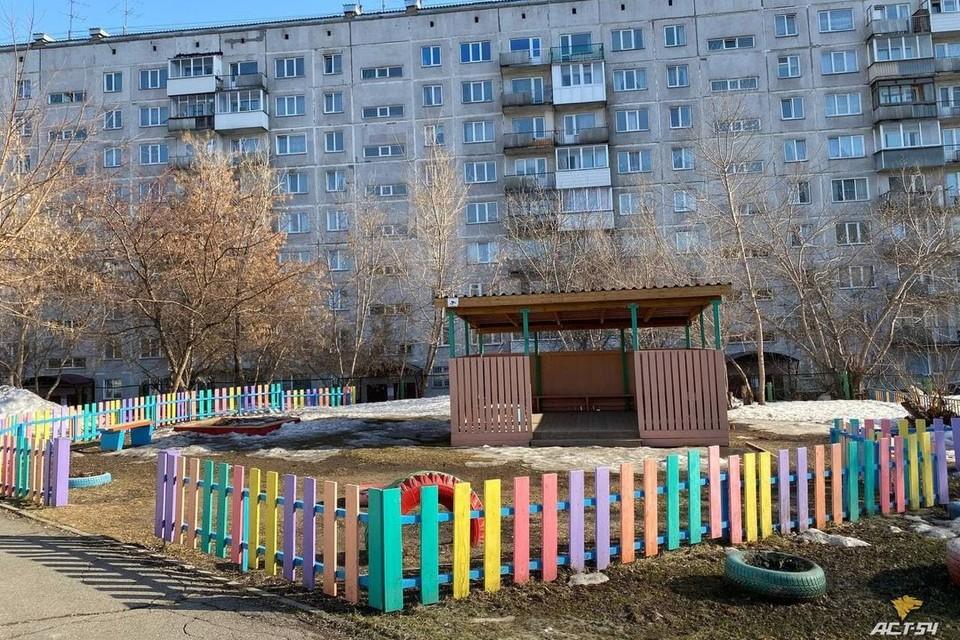 """Сразу в несколько новосибирских детских садов поступили сообщения о минированиях. Фото: """"АСТ-54"""""""