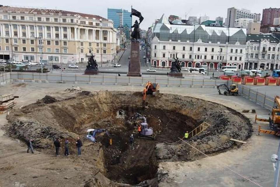 Салават Галиев рассказал, когда во Владивостоке могут полностью осовременить центральную площадь. Фото: Андрей Михайлов