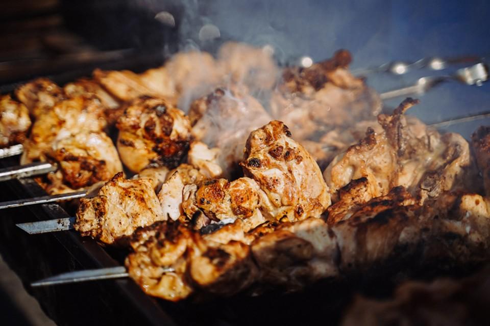 Самый простой способ определить свежесть мяса – нажать на него подушечкой пальца