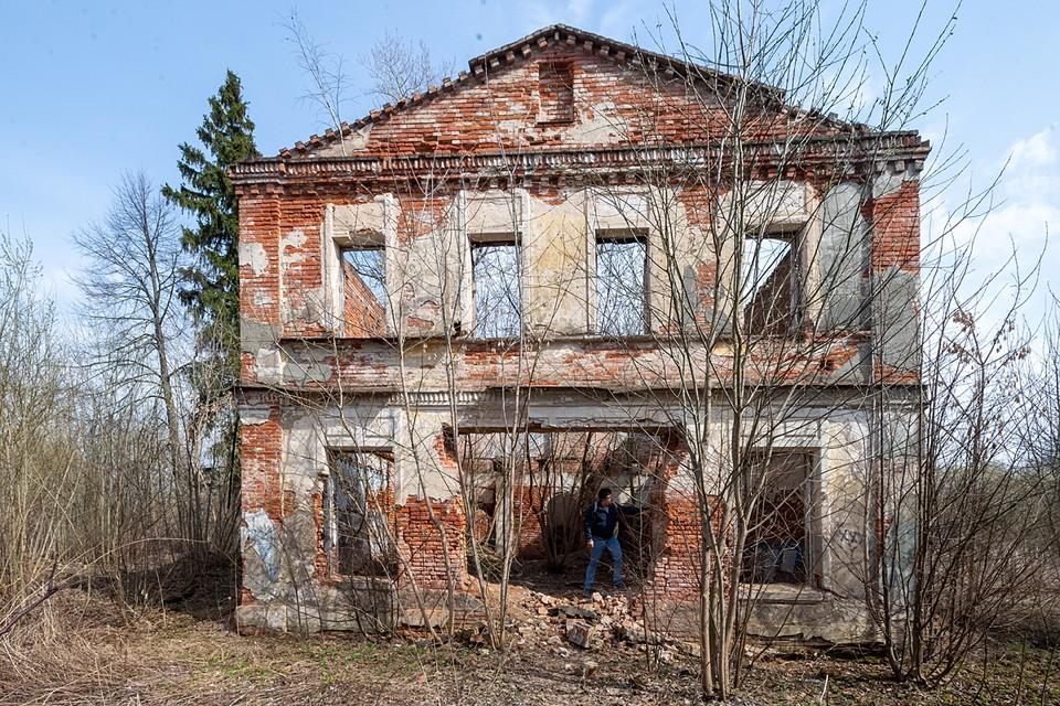 На бумаге усадьба Кузьминское в Домодедовском районе - это памятник архитектуры регионального значения