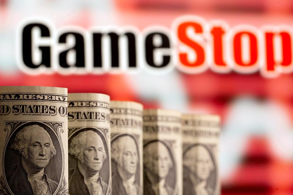 Главная причина ухода от доллара в международных расчетах – обезопасить себя на случай новых санкций со стороны Америки