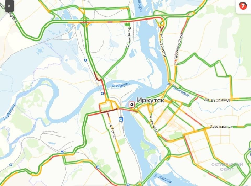 Пробка на Глазковском мосту из-за ДТП образовалась в Иркутске 28 апреля утром. Фото: Яндекс.Пробки