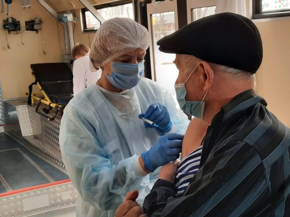 Устойчивым иммунинетом к кокронавирусу могут похвастаться почти 77 тысяч крымчан