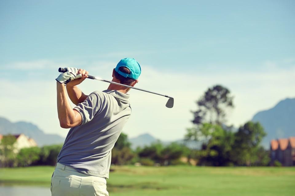 Банкир предпочитал проводить свободное время за игрой в гольф и не уделял внимание семье.