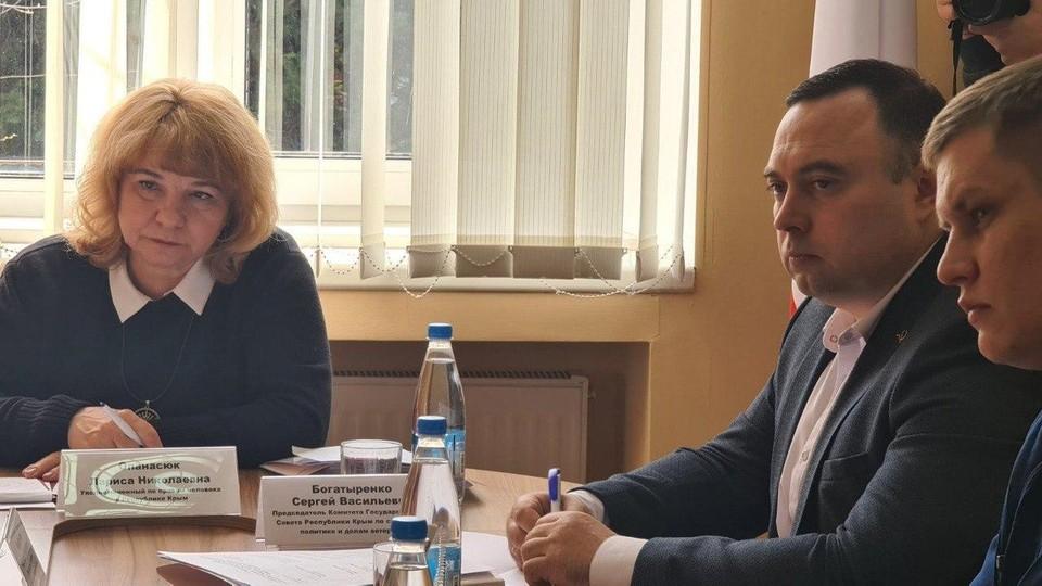 Соблюдение трудовых прав граждан обсуждали при уполномоченном по правам человека в Крыму