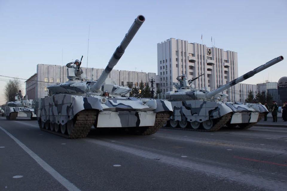 В Хабаровске прошла первая репетиция парада Победы с техникой