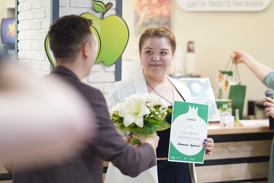 Победительницей конкурса стала мать девяти детей Анастасия Надворная.