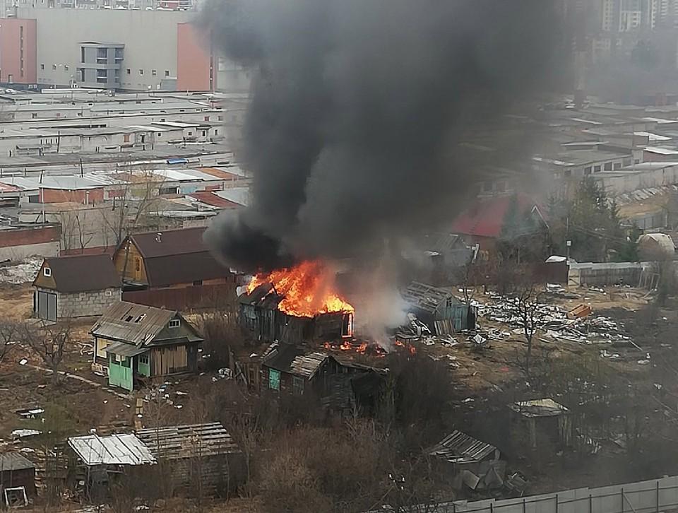 Пожар произошел сегодня днем Фото: Ольга Олейникова