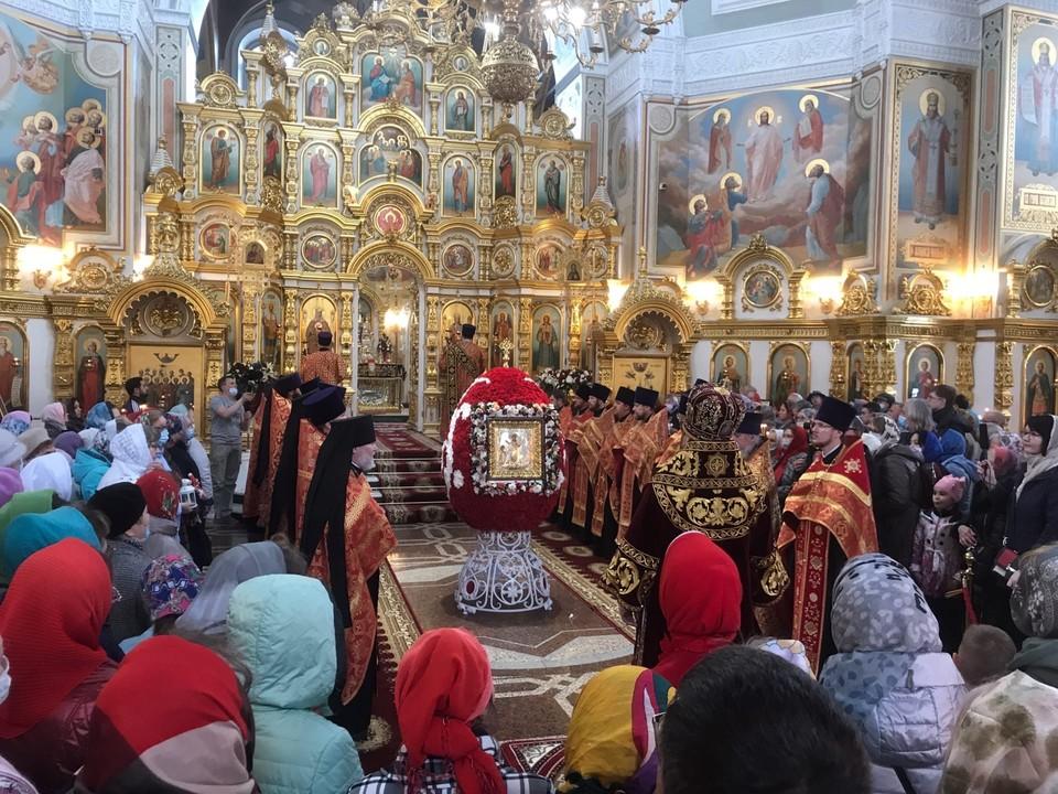 Благодатный огонь прибыл в Ижевск 2 мая