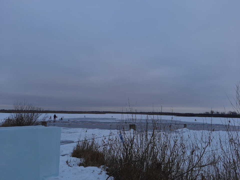 Лед на водоемах