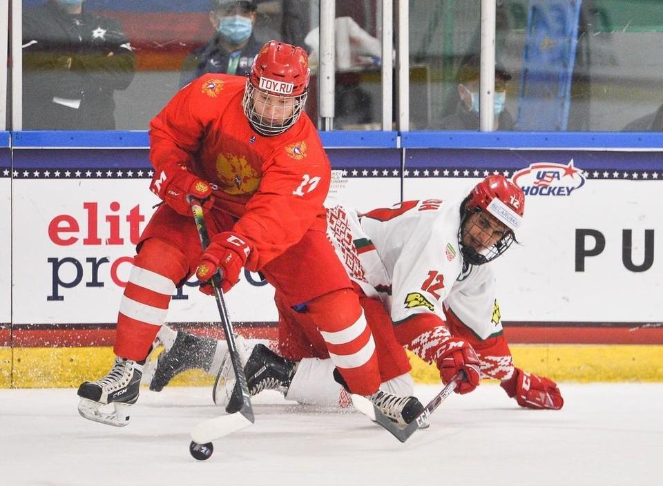 Юниорская сборная России по хоккею обыграла Белоруссию со счетом 5:2. Фото: инстаграм russiahockey