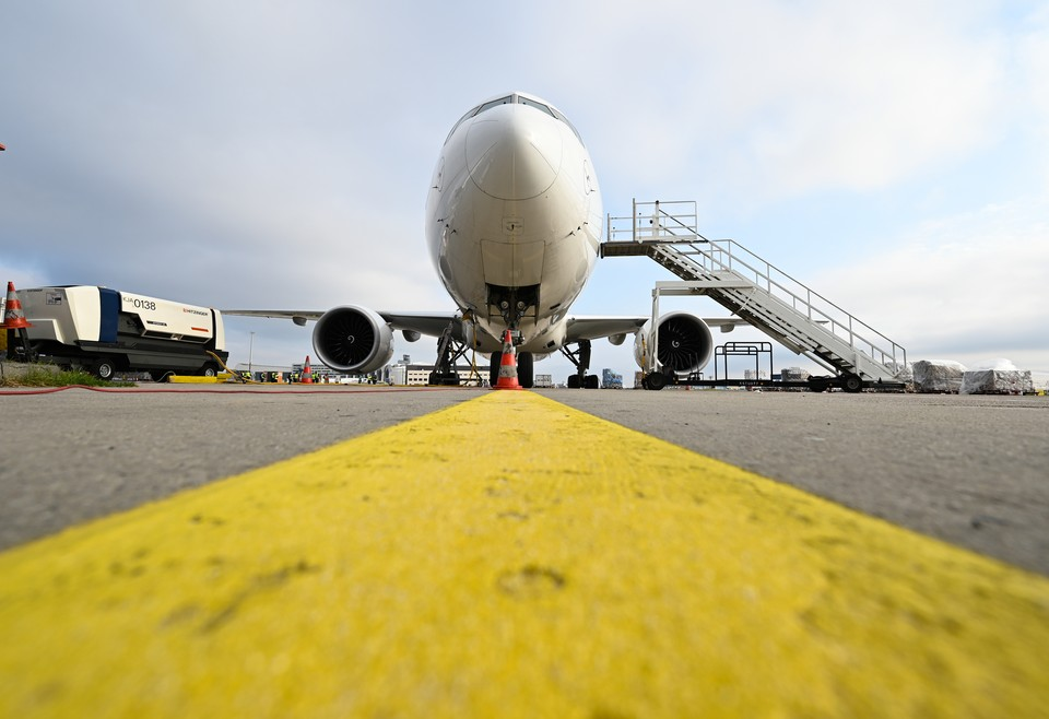 Мужчина арендовал пассажирский Boeing-737 и стал единственным пассажиром на борту лайнера.
