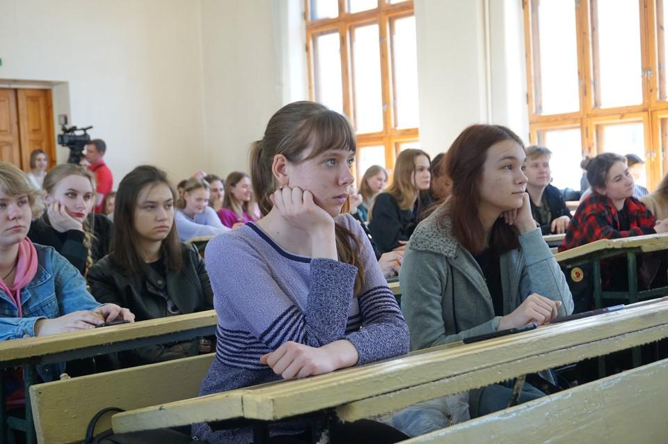 Кафедра по-настоящему уникальна, ведь профессиям, которым обучают в ее стенах, больше нигде в Донецкой Народной Республике обучиться нельзя