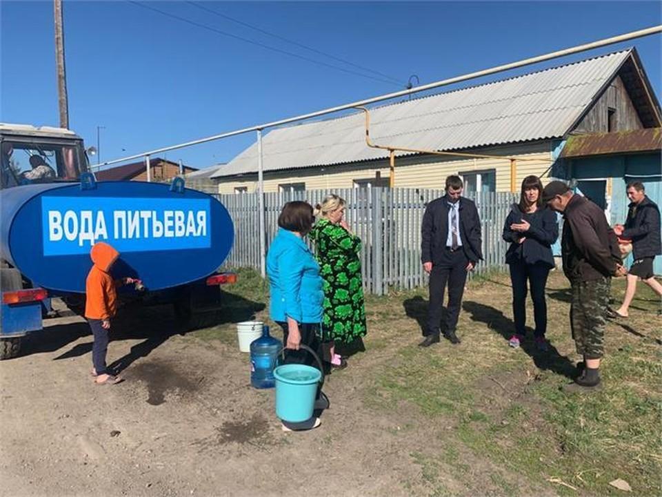 Для людей организовали подвоз питьевой воды. Фото: Korkino-raion.ru