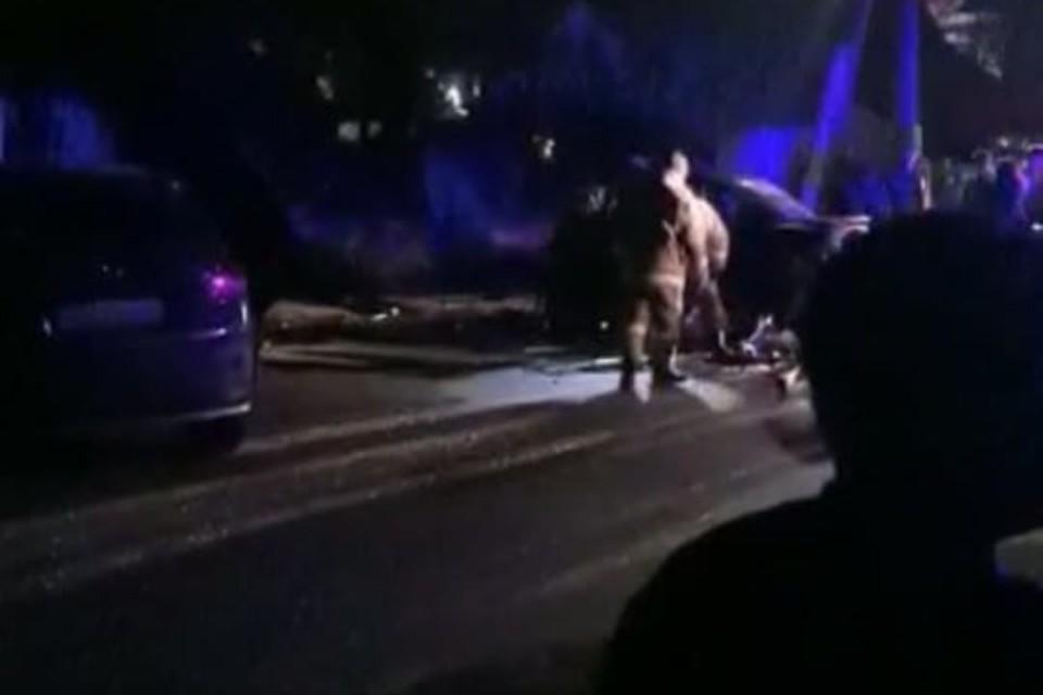 ДТП произошло 9 мая в 23.25. Фото: скриншот с видео, предоставленного очевидцами
