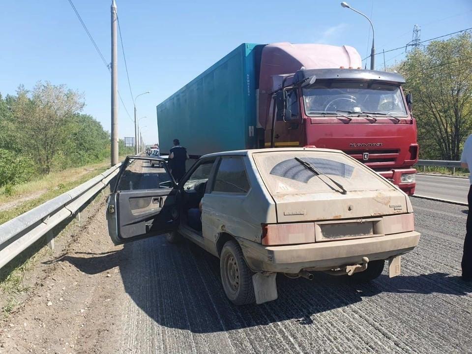 Автомобиль потерял управление и выехал на встречку. Фото: ГУ МВД по Самарской области