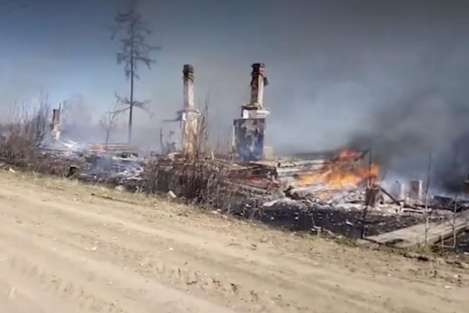 Огонь остановлен: в поселке Дальний Иркутской области сгорело 28 домов. Фото: предоставлено КП.