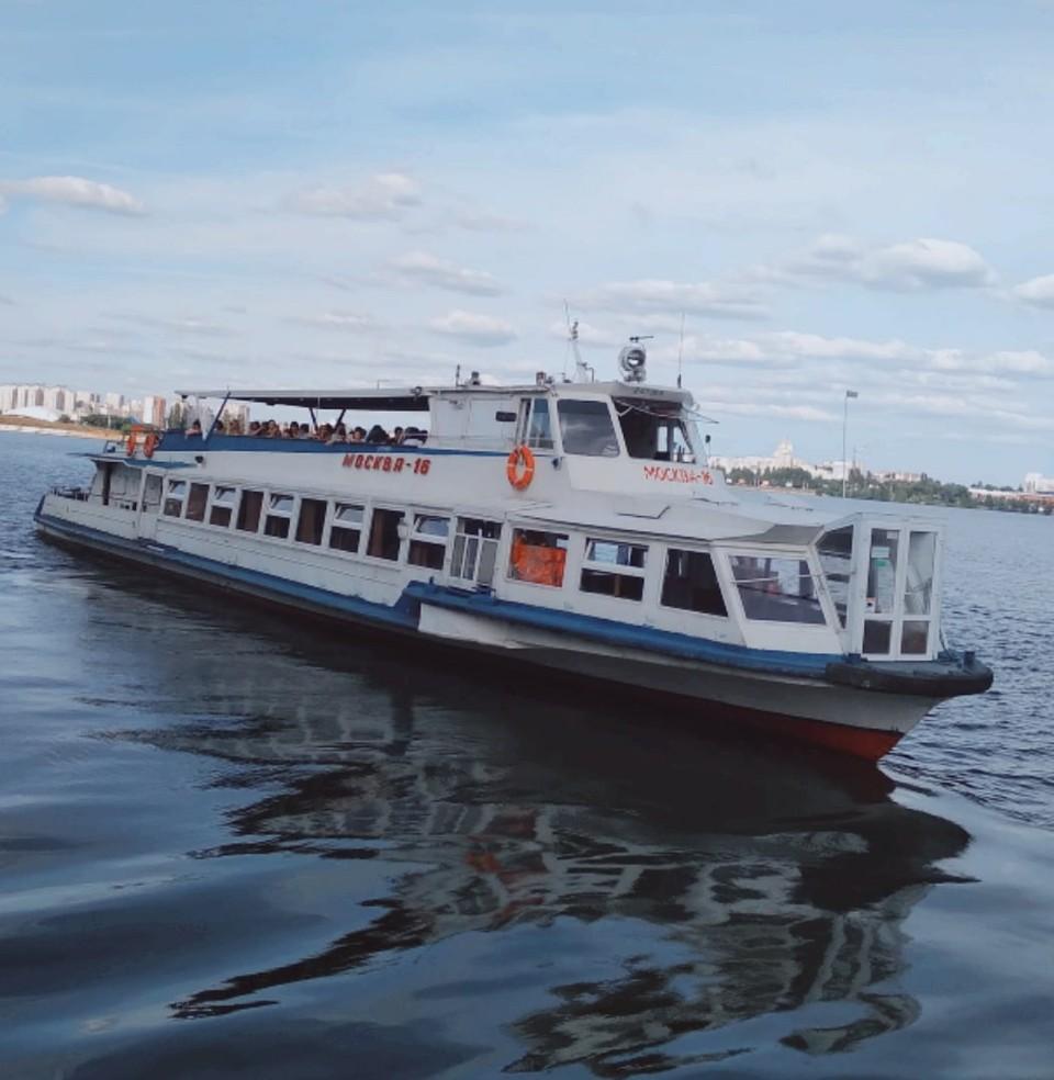В Омске запустили еще один маршрут по Иртышу. Фото: vk.com/teplohodm16
