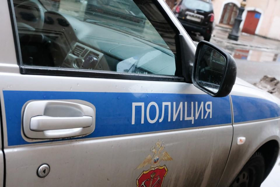 """В Петербурге задержали мошенницу, """"снявшую порчу"""" почти за 3 млн рублей."""