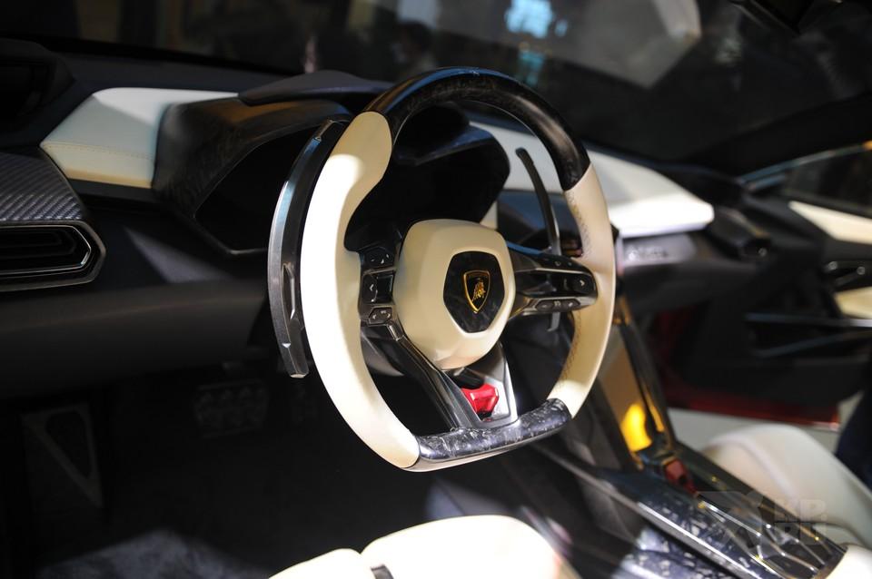 В Рязани продают две Lamborghini почти за 79 млн рублей.