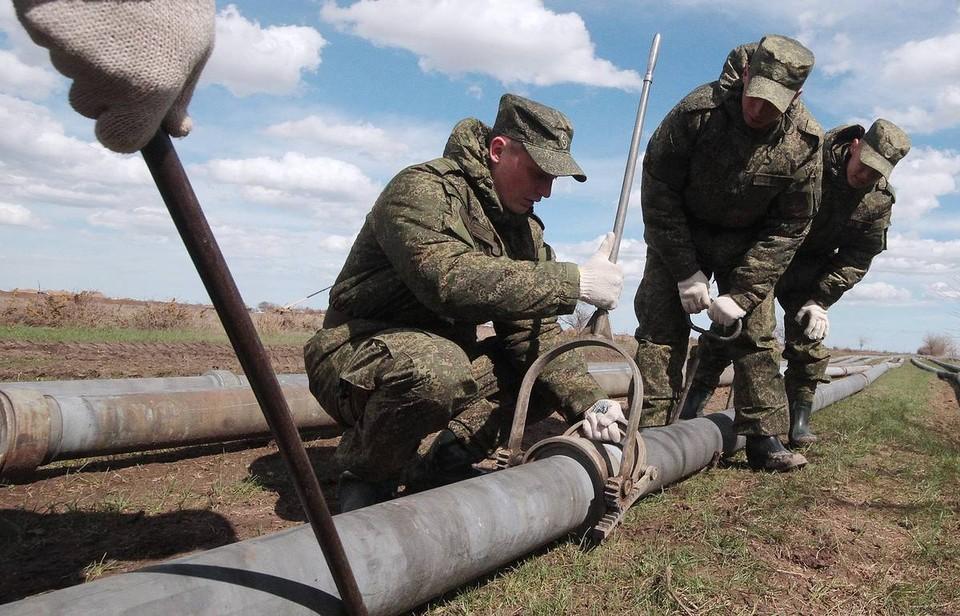 Армия снова пришла на помощь своему народу. Фото: архив «КП»-Севастополь»