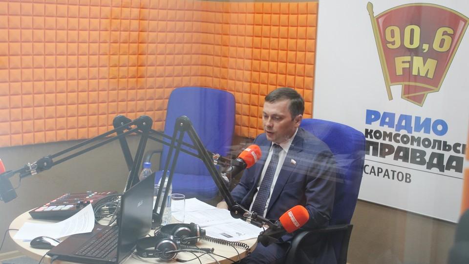 """Андрей Архипов в студии радио """"Комсомольская правда Саратов"""""""