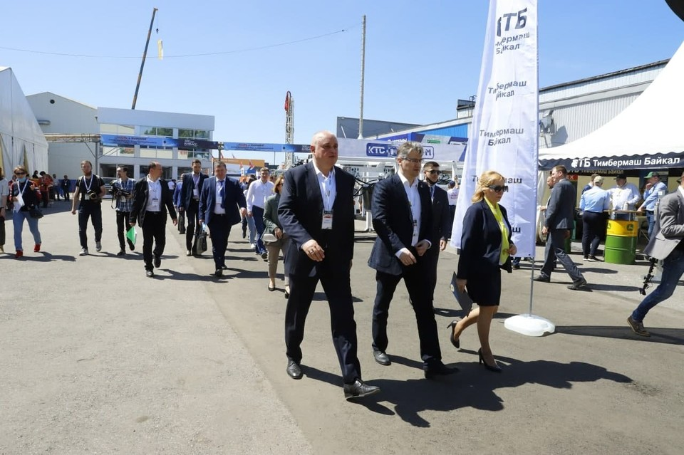 В Новокузнецке открылась выставка новейших технологий в сфере угледобычи. Фото: АПК.