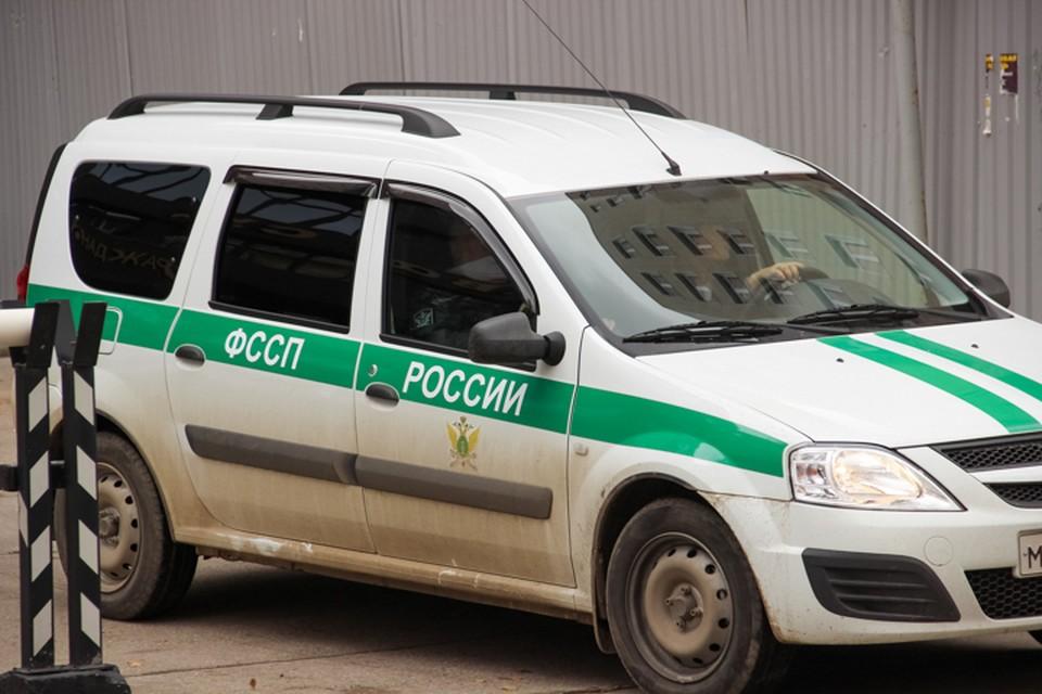 В Перми судебные приставы эвакуировали автомобиль должника.