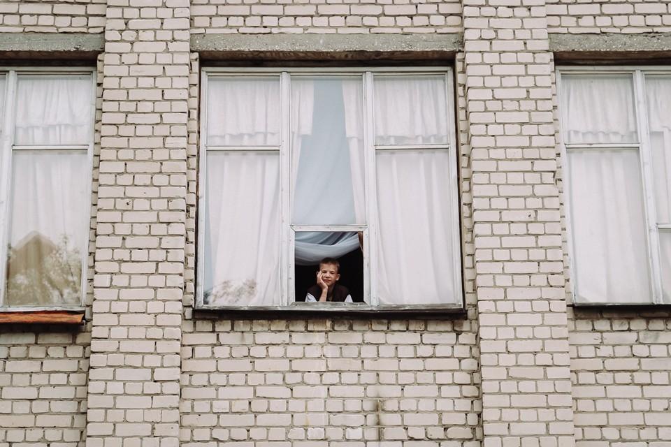 Кирилл, как и все сироты, надеется, что в его жизни появится настоящая семья