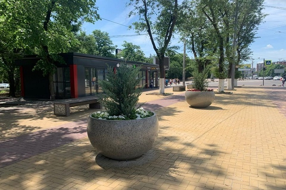 Около торговых комплексов благоустроили территорию Фото: сайт администрации Ростова