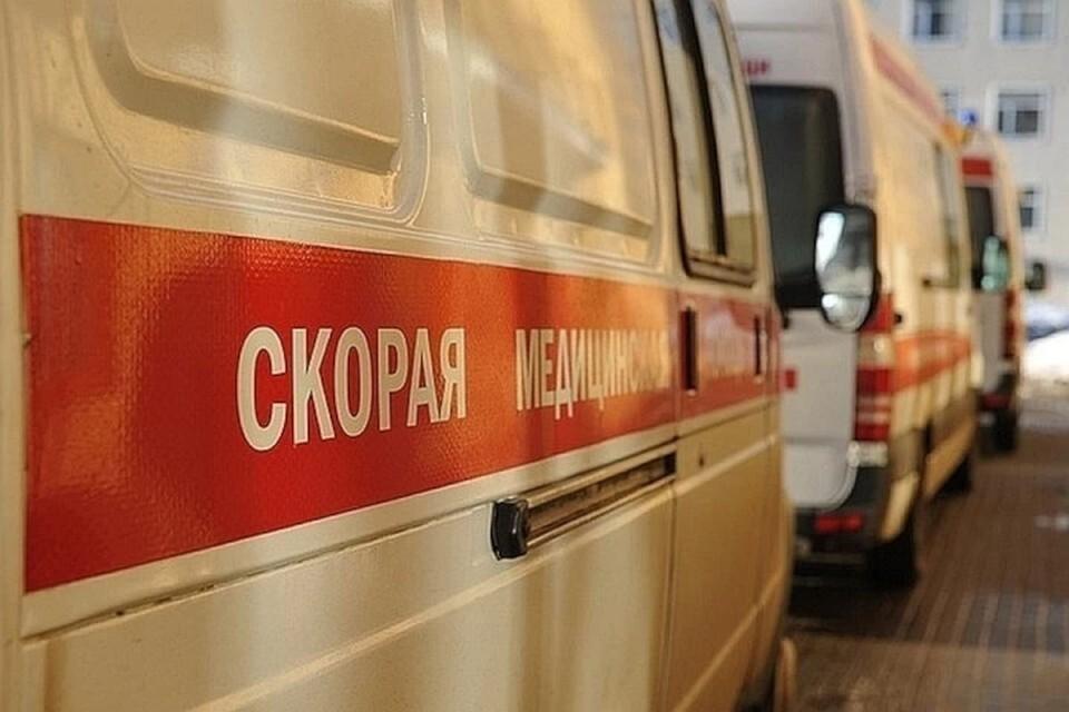 Женщина, переходившая улицу вне «зебры» в Твери, получила травму стопы.