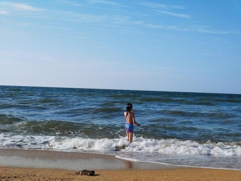 На пляжах Восточного Крыма теперь непривычно пусто. Фото: архив «КП»
