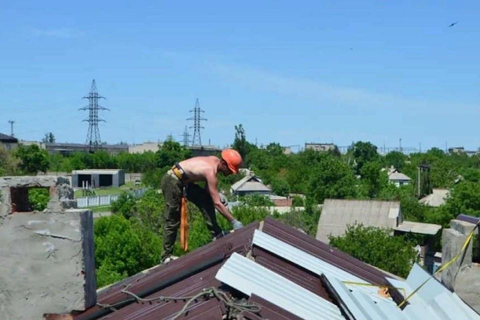 К текущему моменту уже завершен ремонт в 9 домах и восстановлены 22 лифта. Фото: Минстрой ДНР