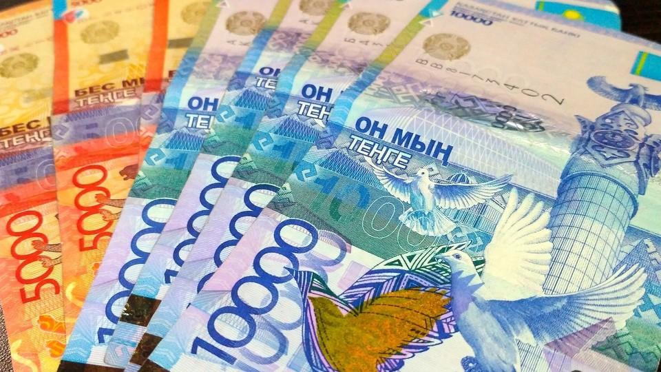 Новые правила обращения старых купюр вступят в силу с 12 июня