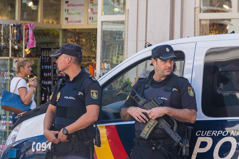 """Разбойных нападений стало меньше в среднем на 35 процентов. Лидером здесь оказалась """"Барселона"""" - европейская туристическая Мекка"""