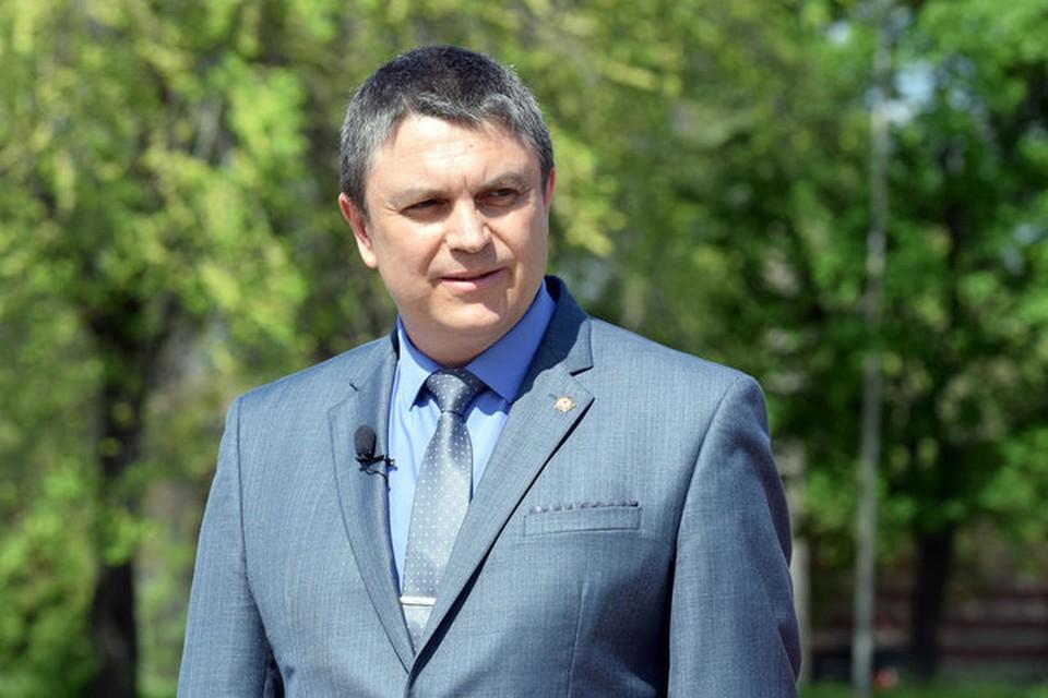 Леонид Пасечник отметил, что луганчане должны беречь, совершенствовать и любить родной язык. Фото: АГ ЛНР
