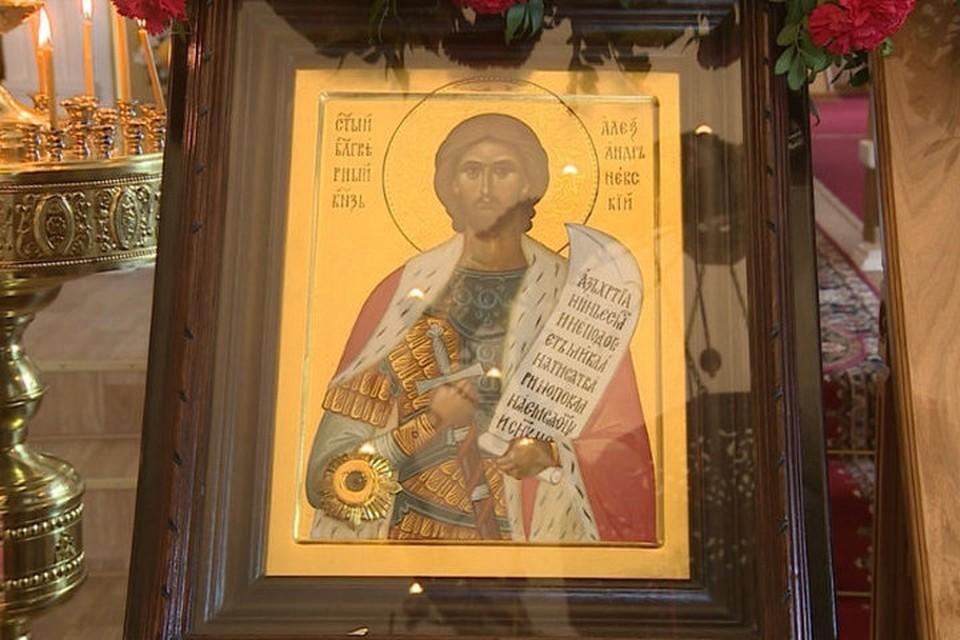 Икону и мощи Александра Невского выставят в соборе Успения Божией Матери