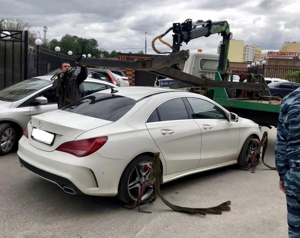 За долг в 12 млн рублей у рязанца арестовали Mercedes.
