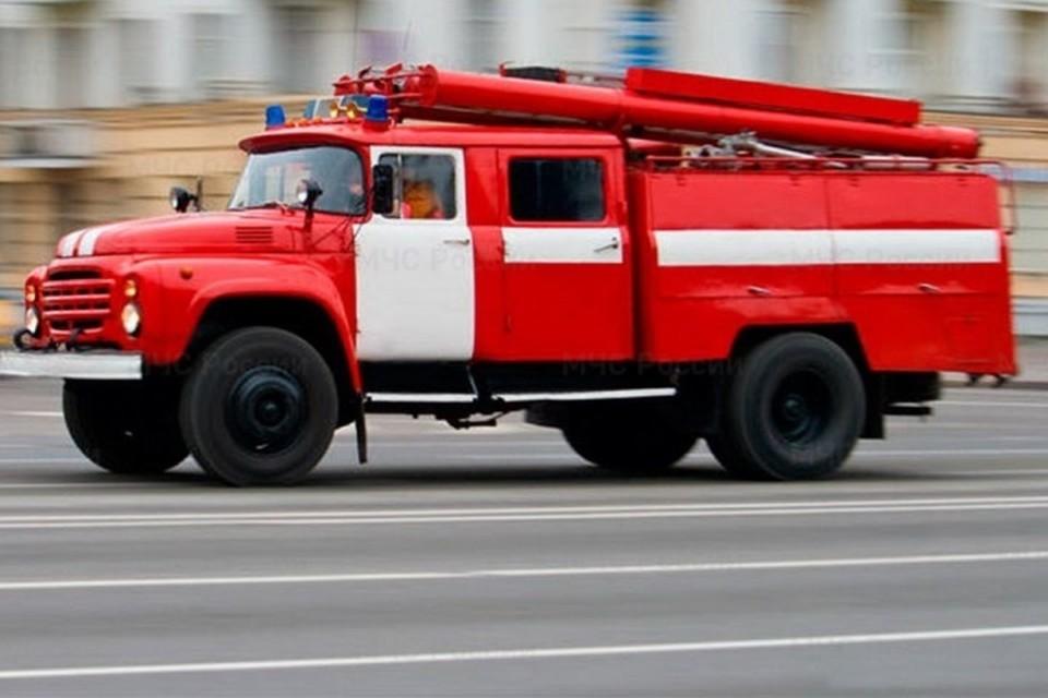 В Брянске на Бульваре Гагарина потушили пожар.