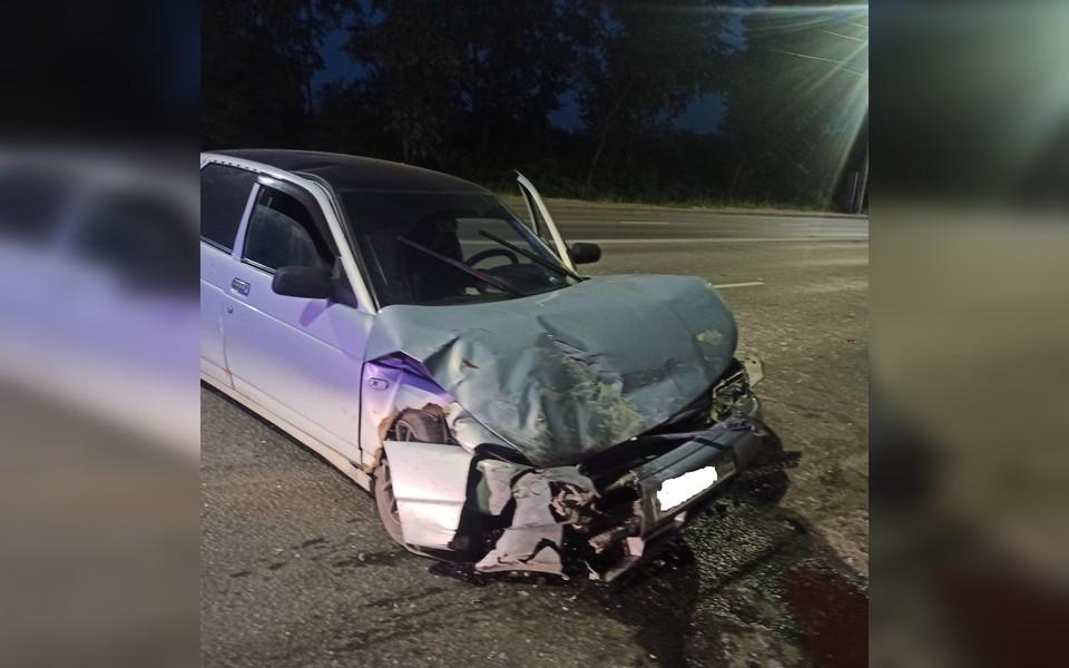 Водитель ВАЗ 2112 получил травмы. Фото: ГИБДД Челябинска