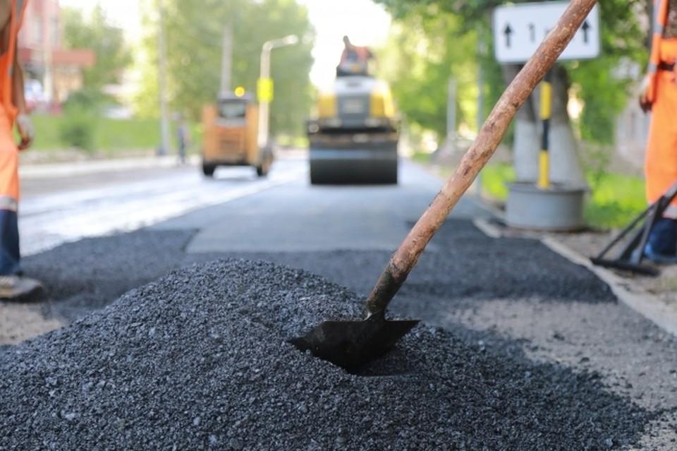 В Волгограде активно ремонтируют проблемные дороги.