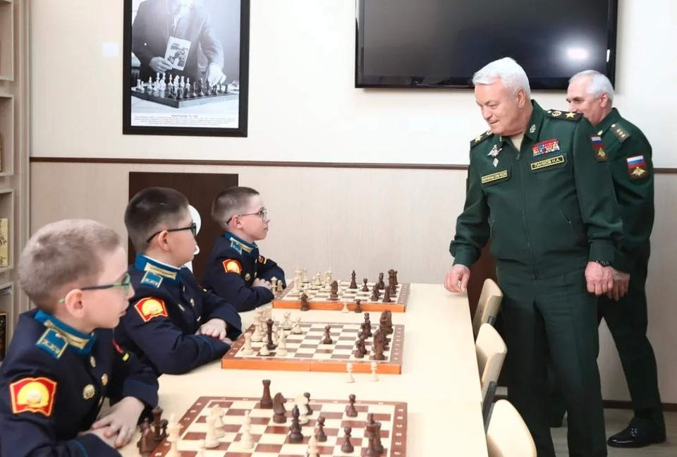 Замминистра обороны России Николай Панков посетил Оренбургское президентское кадетское училище.