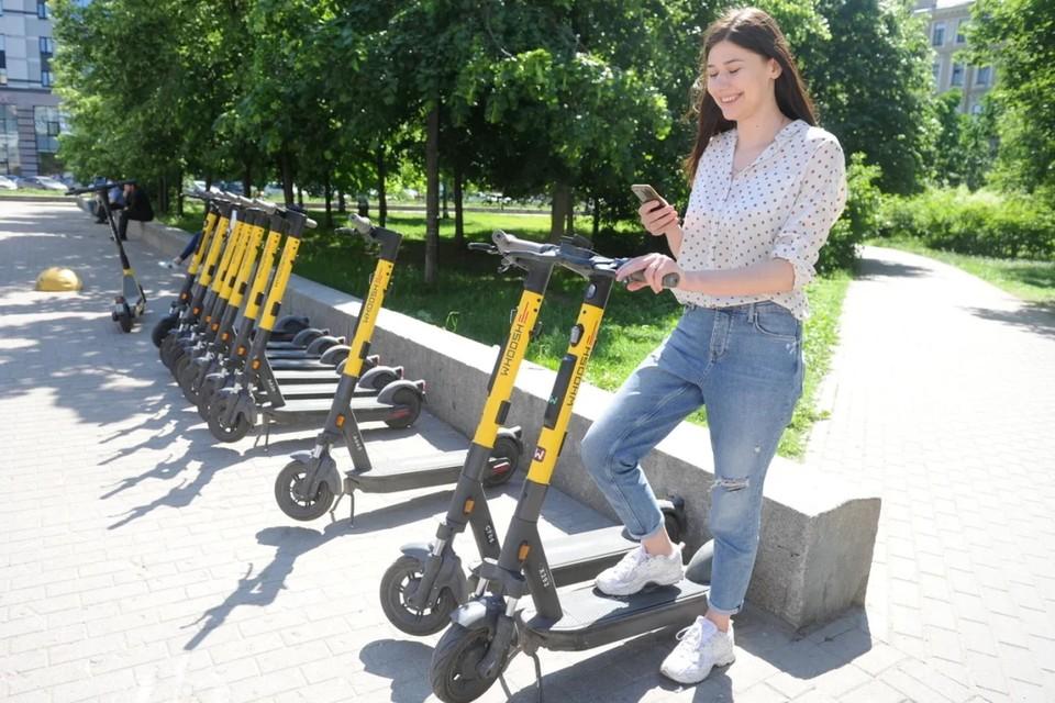 В центре Петербурге снизили максимальную скорость электросамокатов до 10 км/ч.